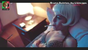 Bruna Quintas super sensual em lingerie na serie Luz Vermelha