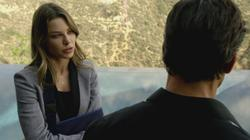 th_750878909_scnet_lucifer1x02_1373_122_
