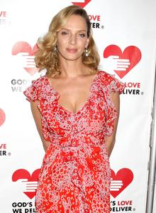 http://img199.imagevenue.com/loc20/th_121388889_UmaThurman_122_20lo.jpg