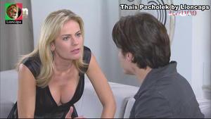 Thais Pacholek sensual na novela