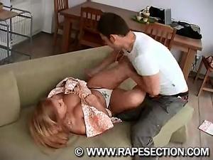 chubygirl_raped_by_stranger.wmv