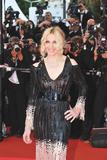 th_12725_MadonnaInternationalFilmFestivalCannes_2205_02_122_480lo - Madonna, oops une robe trop transparenter à Cannes