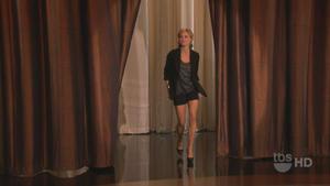 Julie Bowen - Conan (2010), 720p