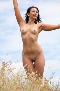 [Image: th_345563528_Lusee_e_b_pink_4_122_509lo.jpg]