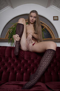 http://img199.imagevenue.com/loc509/th_404640900_tduid300163_SexArt_Ravani_Milena_D_medium_0087_123_509lo.jpg