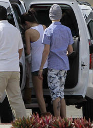 th 968652203 tduid300217 SelenaGomezinShortsSeeninMexico5 122 536lo Selena Gomez in Shorts Seen in Mexico, 6 January 2012