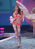 th_10345_fashiongallery_VSShow08_Show-446_122_91lo.jpg